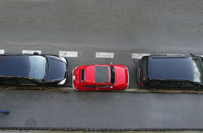 big cars small parking hero jpg la en GB. SUV demand drives need for big parking bays   Confused com