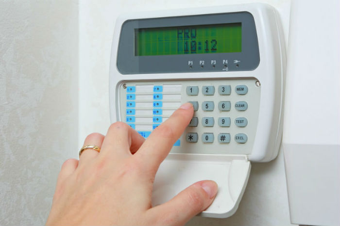 What types of burglar alarms are there? - Confused.com